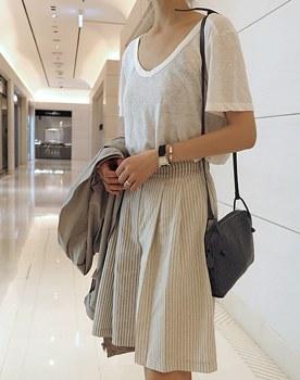 Vertical stripe linen half pants