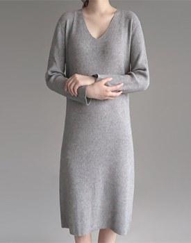 V-neck knit dress - 2 colors