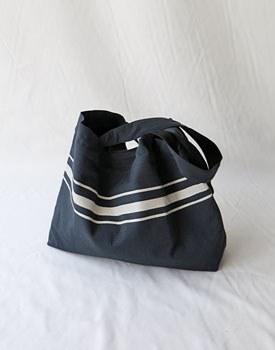 Double fabric line print bag - 2c