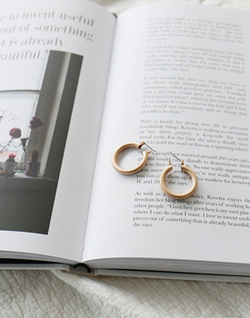 Mid circle earring