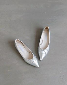 Silver Ribbon Flat