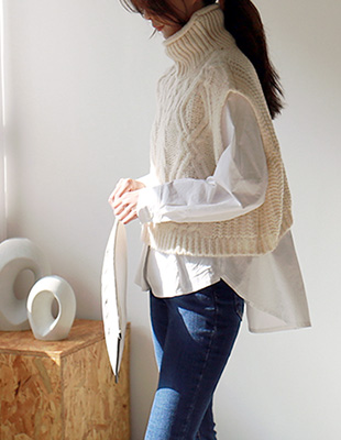 Cable Turtle Knit vest - 2c