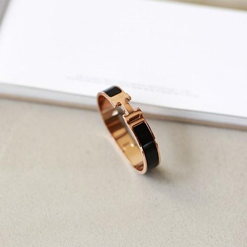 H - bracelet