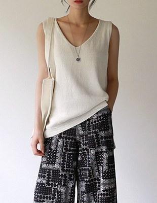 Ben sleeveless knit top