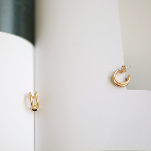 Bishop earring