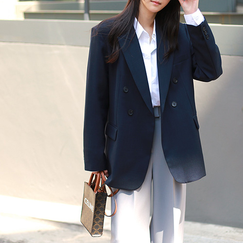 Peaked lapel double jacket