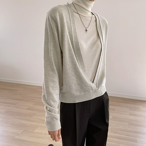 Deep Vneck High Cashmere Knit Top